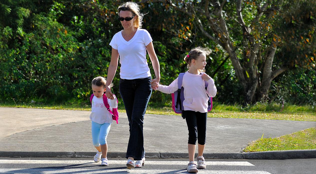 Moeder met twee dochters