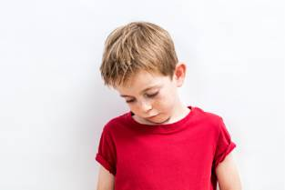 Kinderen in de kou - verdrietige jongen - 313x209